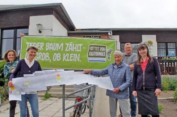 Haben sich bei der Erarbeitung alternativer Konzepte für die Parkstraße viel Mühe gegeben und wollen gehört werden: Nicole Wilken, Liedermacherin Bea, Sigrig Jäckel, Jörg Wadischat und Annette Boog.