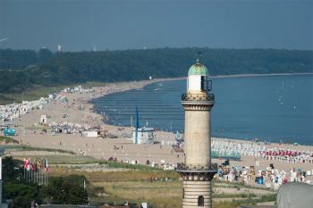 Der Warnemünder Leuchtturm-Förderverein spendet 1.000 Euro für Bützow.