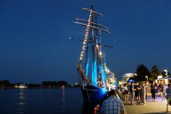 Am Freitag, 24. Mai, findet die erste Warnemünder Port Party des Jahres statt. Als Bühne dient die