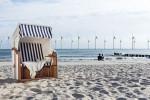 So könnte sich der Horizont am Strand von Warnemünde bald darstellen. Foto-Montage: Touristik-Service-Kühlungsborn GmbH