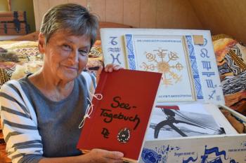 """Am 17. April stellt die ehemalige Schiffsärztin, Dagmar Kummer-Eisenhuth, ihr Buch """"Mein Tor zur Welt"""" im Rahmen des Warnemünder Museumsabends vor."""
