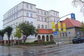 Das Warnemünder Ecolea Gymnasium lädt am Freitag zum Tag der offenen Tür.