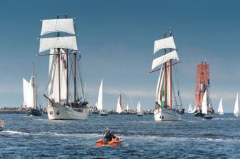 Insgesamt 140 Helferinnen und Helfer der Bereitschaft sorgen auf der 27. Hanse Sail für die sanitätsdienstliche Absicherung.