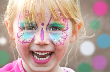 Zum ersten Mal wird in Warnemünde ein großes Kindertagsfest gefeiert.