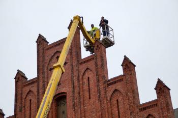 Rainer Schnetzke vom Kirchenförderverein wollte sich selbst ein Bild von oben machen und nutzte seine Chance.