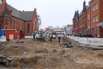Aufgrund der Bauarbeiten auf dem Warnemünder Kirchenplatz wird die Buslinie 37 weiterhin umgeleitet.