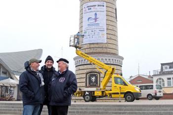 Trafen sich heute zum Fachsimpeln am Turm: Torsten Sitte, Olaf Altermann und Klaus Möller (v.l.)