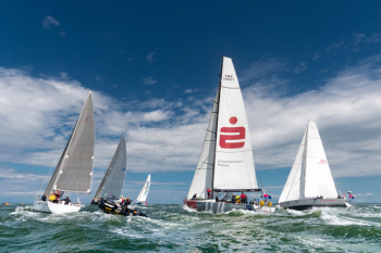 """Die Speedsailing-Yacht """"Ospa"""" hält seit 2017 den Streckenrekord der Rund Bornholm Regatta."""
