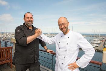 Zwei Sterne-Köche in der Yachthafenresidenz: André Münch (l.) und Matthias Stolze