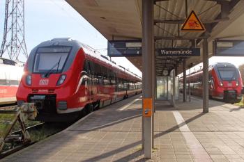 Der Verkehrsverbund Warnow bietet zum Warnemünder Turmleuchten am Neujahrstag Sonderverkehre für die An- und Abreise an.
