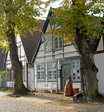 Das Heimatmuseum Warnemünde befindet sich in einem alten Fischerhaus in der Alexandrinenstraße 31.