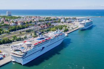 Wegen der Corona-Krise sind in Warnemünde vorerst alle Kreuzfahrtschiffe abgesagt.