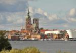 Foto: Stralsunder Altstadt, St.-Nikolai-Kirche, Strelasund, Ozeaneum, Stralsunder Altstadt, St.-Nikolai-Kirche, Strelasund, Ozeaneum © nmann77 - Fotolia.com